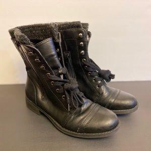 Black combat boot size 9.5
